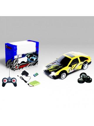 Радиоуправляемая машинка для дрифта Toyota Corolla Levin AE86 GT 4WD масштаб 1:24 HuangBo Toys 666-211